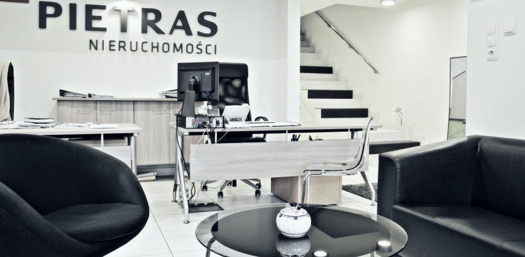Pietras Nieruchomości - sala obsługi nieruchomości